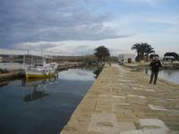 Imbarcadero Storico per l'Isola di Mozia barca e riflessi - 29 gennaio 2012  - Marsala (474 clic)