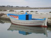 Imbarcadero Storico per l'Isola di Mozia barca e riflessi - 29 gennaio 2012  - Marsala (511 clic)