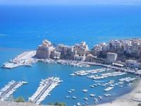 vista su porto, castello e Cala Marina - 27 agosto 2012  - Castellammare del golfo (306 clic)