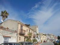 case sul porto - 26 febbraio 2012  - Sciacca (710 clic)