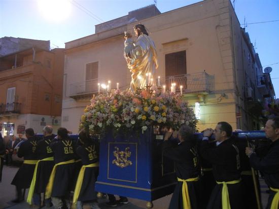 Processione in onore di San Giuseppe Lavoratore - ALCAMO - inserita il 20-Oct-14