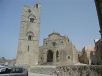 Duomo (sec. XIV) e Torre Campanaria (sec. XII) - 5 agosto 2012  - Erice (524 clic)