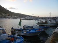 al porto - barche e riflessi di sole sul mare - 20 settembre 2012  - Castellammare del golfo (389 clic)