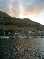 al porto - riflessi di sole sul mare - 20 settembre 2012  - Castellammare del golfo (363 clic)
