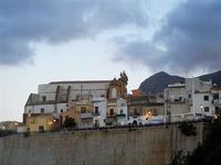 Chiesa Madre e case - 20 settembre 2012  - Castellammare del golfo (433 clic)