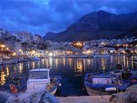 panorama porto e città - 19 settembre 2012  - Castellammare del golfo (325 clic)