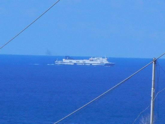vista sul mare e nave - CINISI - inserita il 09-Dec-16