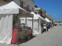 4° Festival Internazionale degli Aquiloni - Stand in via Savoia - 24 maggio 2012  - San vito lo capo (251 clic)