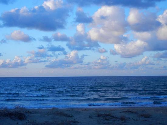 nuvole e mare al tramonto - ALCAMO MARINA - inserita il 07-Feb-17