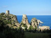 torri di avvistamento, faraglioni e tonnara - 21 settembre 2012  - Scopello (1877 clic)