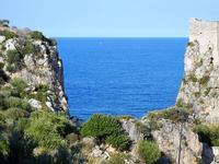 faraglioni e torre di avvistamento - 21 settembre 2012  - Scopello (913 clic)