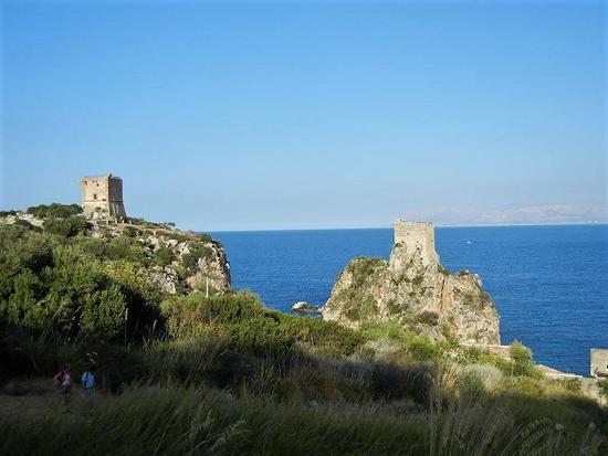 faraglioni, torri di avvistamento e tonnara - Scopello - inserita il 21-Aug-17