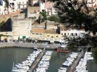 panorama dal Belvedere - case e locali sul porto - 21 settembre 2012  - Castellammare del golfo (535 clic)