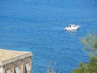 motoscafo nei pressi della tonnara - 6 maggio 2012  - Scopello (683 clic)