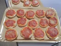 pizzette preparazione pizzette - Progetto Continuità - I.C. Pascoli - 10 gennaio 2012  - Castellammare del golfo (720 clic)