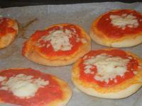 pizzette preparazione pizzette - Progetto Continuità - I.C. Pascoli - 10 gennaio 2012  - Castellammare del golfo (733 clic)