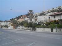 Zona Tonnara - case sul lungomare ed in collina - 10 maggio 2012  - Alcamo marina (396 clic)