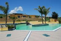 piscina - Baglio Arcudaci - 27 maggio 2012 - Foto di Nicolò Pecoraro  - Bruca (418 clic)