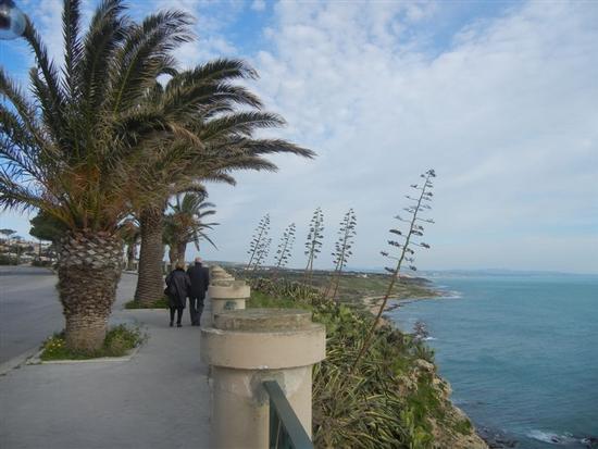 panorama costiero dal belvedere - SCIACCA - inserita il 14-Apr-14