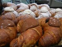cornetti - cornetti al cioccolato ed alla ricotta - Enny - 16 agosto 2012  - Alcamo (342 clic)