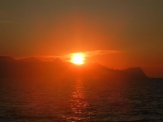 tramonto sul Golfo di Castellammare - BALESTRATE - inserita il 23-Feb-15