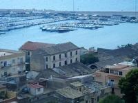 vista sul porto - 6 settembre 2012  - Sciacca (384 clic)