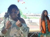 4° Festival Internazionale degli Aquiloni - I Soffi del Mondo, danze di differenti paesi a cura dell'Associazione Interculturale Narramondi Onlus - 24 maggio 2012  - San vito lo capo (215 clic)
