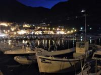 al porto di sera barche e scorcio della città - 18 settembre 2012  - Castellammare del golfo (542 clic)