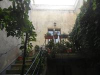 cortile con scalinata  - 12 agosto 2012  - Erice (319 clic)