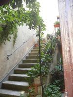 cortile con scalinata  - 12 agosto 2012  - Erice (351 clic)