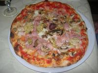 Pizza Quattro Gusti - La Lanterna - 30 maggio 2012  - Alcamo marina (554 clic)
