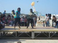 4° Festival Internazionale degli Aquiloni - I Soffi del Mondo, danze di differenti paesi a cura dell'Associazione Interculturale Narramondi Onlus - 24 maggio 2012  - San vito lo capo (282 clic)