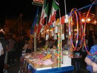 bancarella frutta secca e giocattoli - Notte Bianca - festeggiamenti in onore di Maria SS. dei Miracoli - 16 giugno 2012  - Alcamo (306 clic)