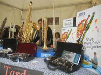Settimana della Musica - stand strumenti musicali - 29 aprile 2012  - San vito lo capo (323 clic)