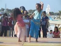 4° Festival Internazionale degli Aquiloni - I Soffi del Mondo, danze di differenti paesi a cura dell'Associazione Interculturale Narramondi Onlus - 24 maggio 2012  - San vito lo capo (275 clic)