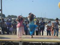 4° Festival Internazionale degli Aquiloni - I Soffi del Mondo, danze di differenti paesi a cura dell'Associazione Interculturale Narramondi Onlus - 24 maggio 2012  - San vito lo capo (229 clic)