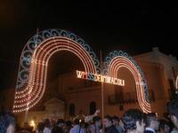 luminarie in Piazza Mercato - festeggiamenti in onore di Maria SS. dei Miracoli - 16 giugno 2012  - Alcamo (260 clic)