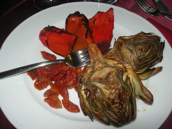 antipasto: carciofi, peperoni e pomodorini - BRUCA - inserita il 30-May-14