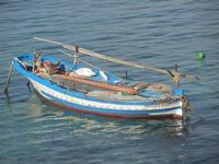 panorama dal Bastione Conca - barca - 13 maggio 2012  - Trapani (543 clic)
