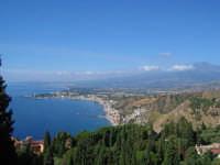 Panorama dal teatro greco-romano (sulla destra l'Etna)  - Taormina (6661 clic)