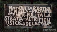Cartello  ... e ancora la riforma della Scuola di Renzi non era legge!!!  - Etna (643 clic)