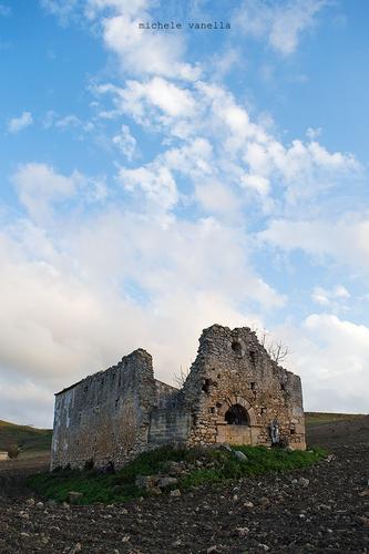 Ruderi di una chiesa medievale detta
