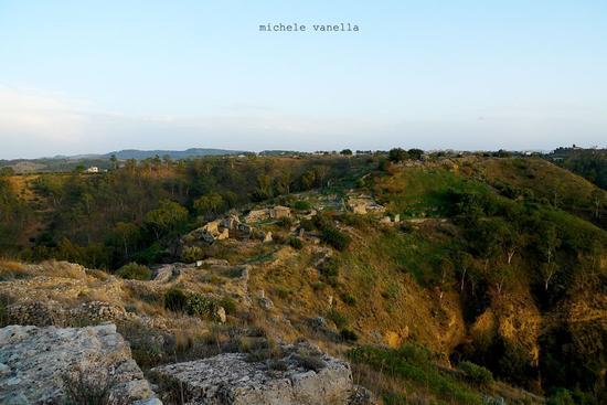Veduta verso SE del Parco archeologico di Occhiolà - GRAMMICHELE - inserita il 09-Dec-14