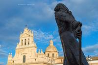 La statua di Carla Maria Carafa principe di Butera e del Sacro Romano Impero, fondatore di Grammichele (1197 clic)