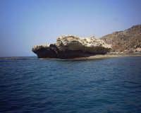 Rocca Tenna - spettacolare formazione rocciosa erosa dai marosi  - Palma di montechiaro (11898 clic)
