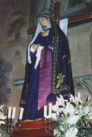 Madonna Addolorata, prima della processione serale del Venerdì Santo (detta i Tri Misteri)(Alfredo Catalfo - 1998).   - Biancavilla (7502 clic)