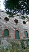 Il Castello Ventimiglia Questo Castello è stato trasformato in un'acquedotto.  - Gratteri (1009 clic)