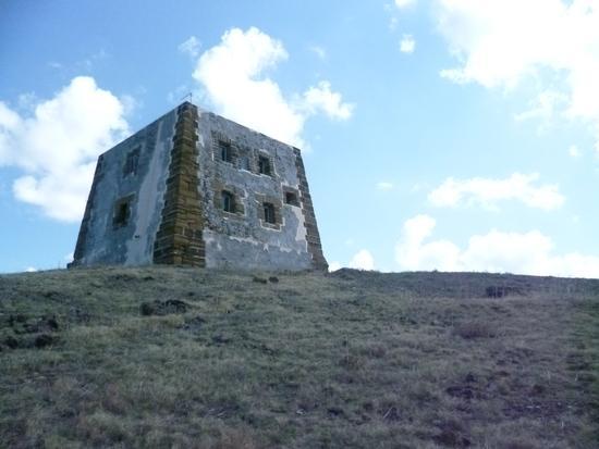 Guardia dei turchi, Ustica fu per molti anni dimora dei pirati saraceni. - Ustica - inserita il 07-Sep-15