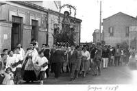 Processione del Sacro Cuore, Parrocchia Maria Santissima Assunta, 1958. Processione del Sacro Cuore, Parrocchia della Madonna Assunta, foto d'epoca. 1958.   - Nizza di sicilia (606 clic)