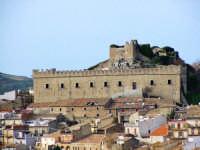 Veduta con castello  - Montalbano elicona (10954 clic)